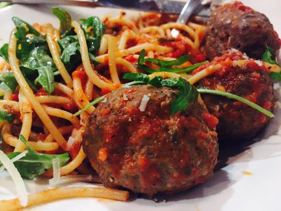 meat-balls-with-spaghetti